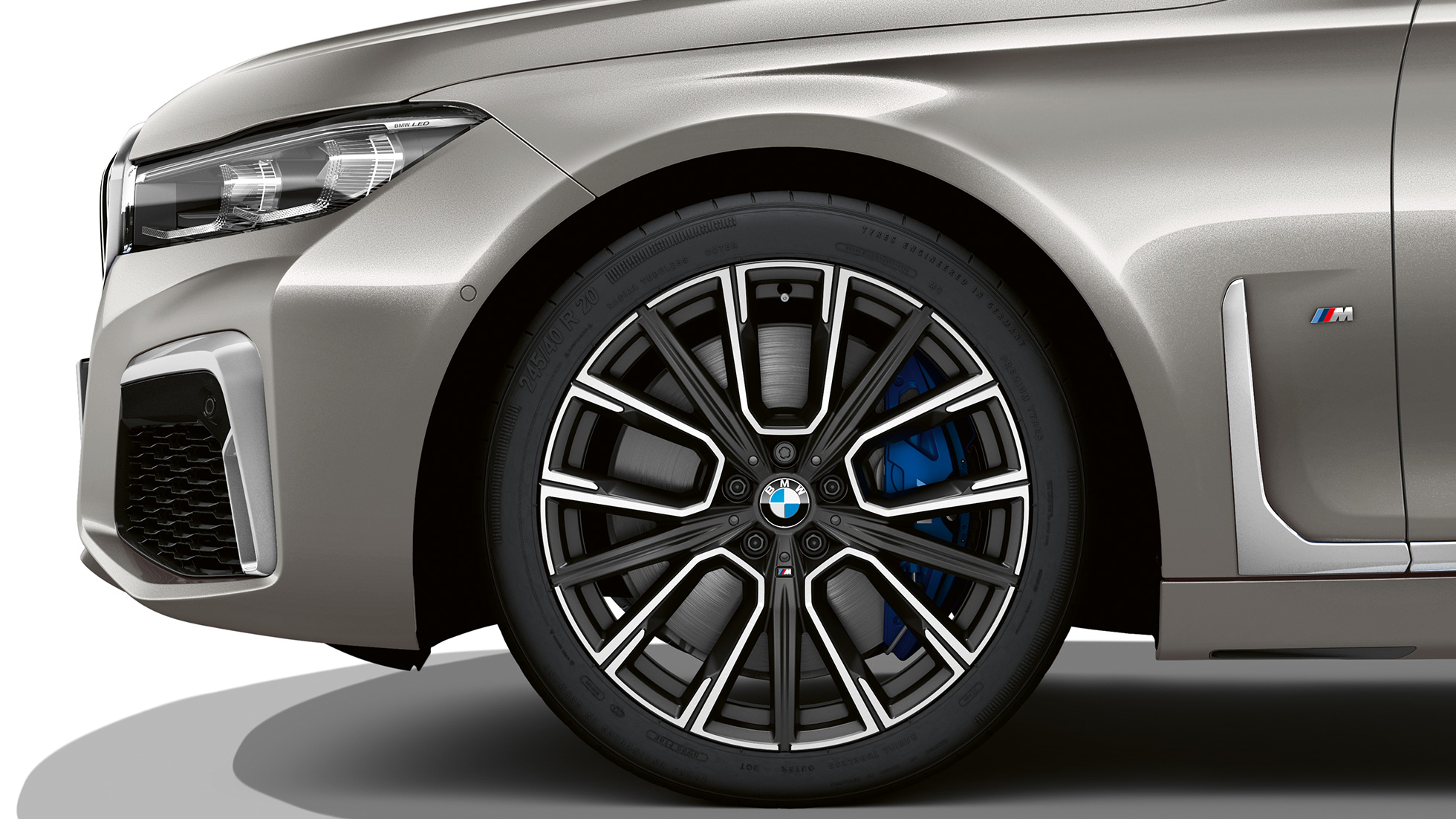 BMW 7 Series Sedan M Sport package: Close-up of the wheels